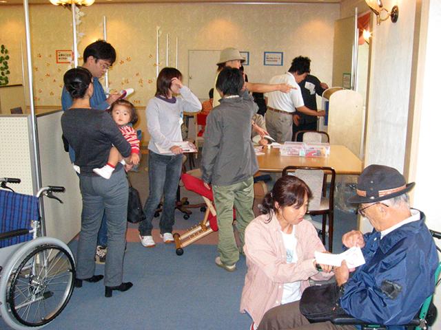 日本初の全員参加型・大型体験イベント、「ユニバーサルデザイン体験イベントin茅ヶ崎」